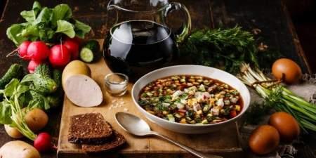 Два необычных рецепта окрошки: на кефире и на квасе с селедкой