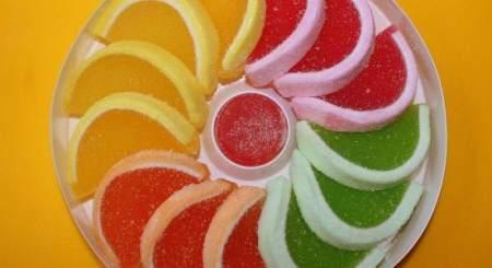 Вкусные и полезные желейные конфеты своими руками: 4 простых рецепта