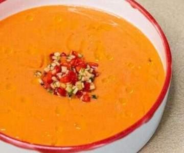 Холодный суп. Три экзотических рецепта, которые охладят и удивят вкусом