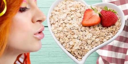 Полезный завтрак: 4 способа сделать овсянку более сытной и вкусной